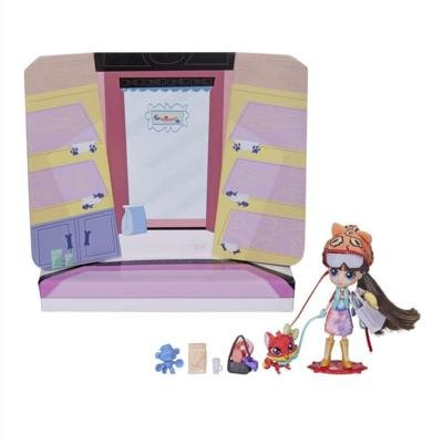 Littlest Pet Shop Blythe Foxy Chic with Blythe Mini Doll & Nora Autumn (Mini Blythe Doll)