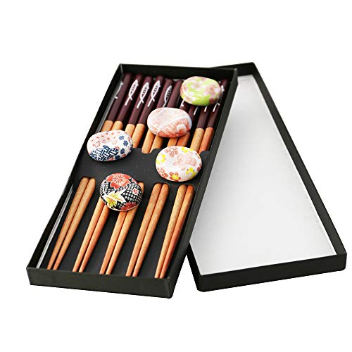 (Natural wood chopsticks For Japanese wooden chopsticks set wooden household chopsticks 5 pairs of gift boxes(Chopsticks + cherry blossom stand) )