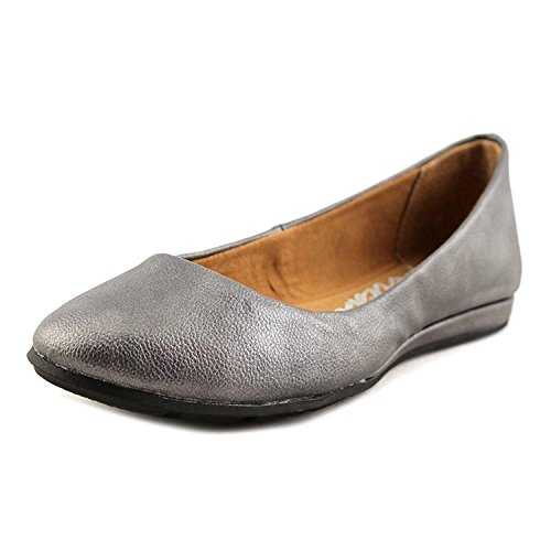 Price comparison product image American Rag Womens Ellie Closed Toe Ballet Flats,  Pewter,  Size 7.0