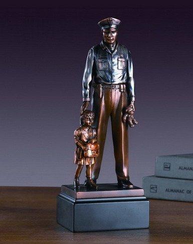 - Policeman with Child Statue - Figurine