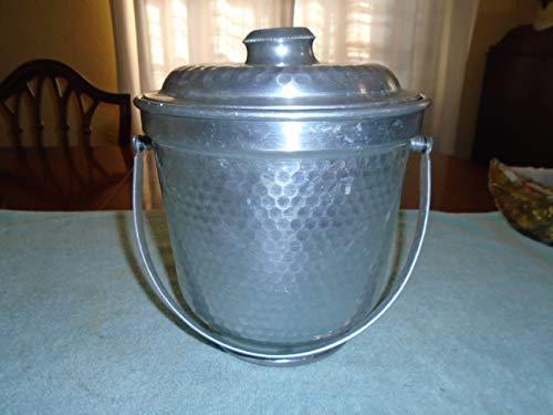 Vintage hammered metal ice Bucket. Ice bucket. Vintage ice bucket. Hammered aluminum. Made in Italy. metal ice bucket (Hammered Aluminum Ice Bucket Made In Italy)