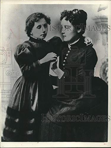 1965 Press Photo Anne Sullivan's Fingers 'Talk' To Palm Of Young Helen Keller - Historic Images (Images Of Helen Keller And Anne Sullivan)