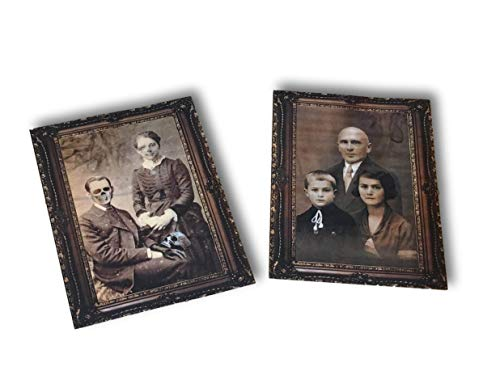 (Set of 2 Halloween Lenticular Victorian Family Portraits - Plastic Decoration for Party Haunted House - Scary Creepy Eerie Spooky Bloody Vintage)