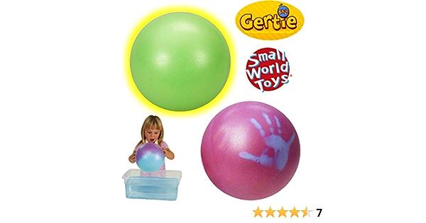 /Colores Pueden Variar Small World Toys Peque/ño Mundo Juguetes Gertie Bola/ /Estilo Original/