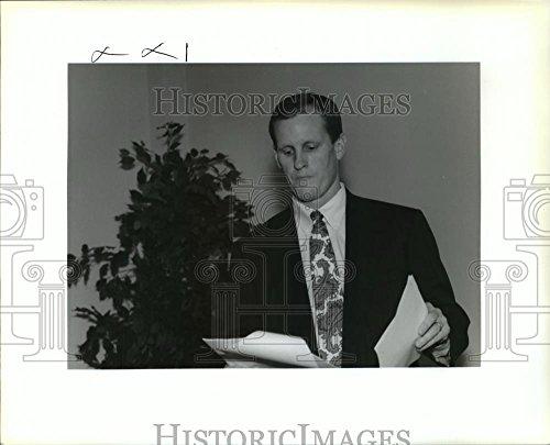 1993 Press Photo Thomas Bubrig Jr   Of Legg Mason Wood Walker At Retiree Seminar