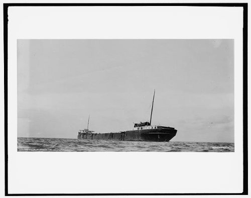 Photo: Howard M Hanna,reef,Port Austin Light,cargo ships,Lake Huron,Michigan,MI,1913
