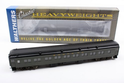 (Walthers HO Scale Pullman Heavyweight 28-1 Parlor Santa Fe)