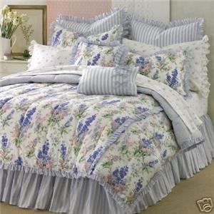Amazon Com Laura Ashley Abbeville Queen Comforter Set 4 Pc Floral