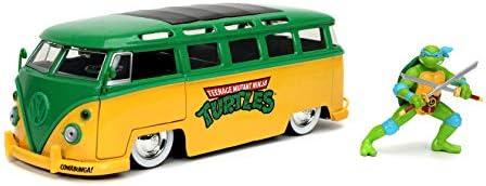 Toys for Kids and Adults Teenage Mutant Ninja Turtles 1:24 1962 Volkswagen Bus Die-cast Car with 2.75 Leonardo Figure