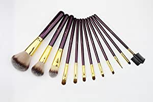 SOFTEST SILK FEELING ON YOUR FACE 12pc makeup brushes with free bonus gift eyeshadow palette. This is a makeup brushset comes with free bonus gift round eyeshadow makeup palette high pigment eyeshadow for the face or for use with the eye makeup brushes with hardwearing leather makeup brush case for professionals