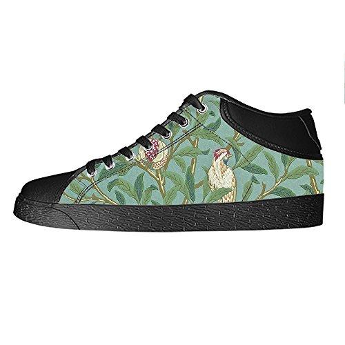 L'oiseau Fait Sur Commande Et La Forêt Les Chaussures De Toile Des Hommes Les Lacets En Haut Au-dessus Des Chaussures De Baskets Chaussures De Toile.