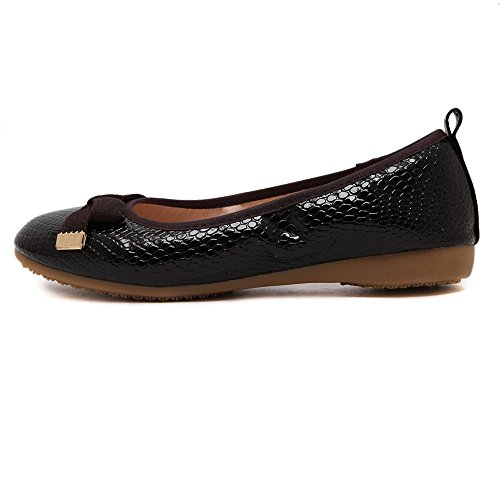 Makegsi Womens Basic Round Toe Ballet Flat Slip On Shoe Nero