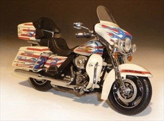 2011 Harley Davidson FLHTC Custom Bubba Blackwell 1/12 Diecast Model by Highway 61 81175
