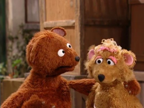 Curly's Growl is Bigger Than Baby Bear's. Episode 4076 (Count Sesame Street)