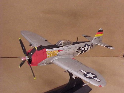 DRAGON WINGS 1/72 Scale Prefinished Fully-Detailed Diecast Model, US Army Air Force WWII Republic P-47D Thunderbolt, 513th Fighter Squadron, 406th Fighter Group, Saucy Susie 50088