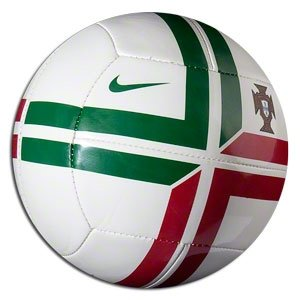 Nike Uni SC2031-163 Mini Football Portugal Skills Design White ... c8250366aee83