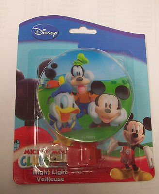 Nip Disney Mickey Mouse (Disney Mickey Mouse & Friends Clubhouse Exclusive NIGHT LIGHT includes Bulb NIP)