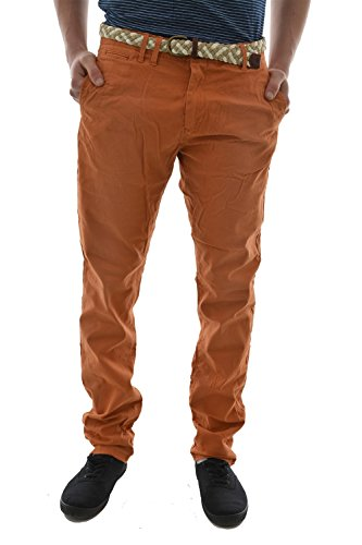 pantalons scotch and soda classic twill chino in relaxed slim fit. sold with orange