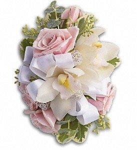 mr-bokay-nationwide-prom-flowers-dashing-corsage