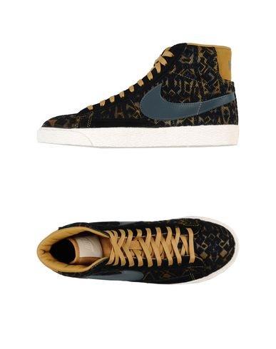 Nike Hochgeschlossener Sneaker Damen: : Schuhe