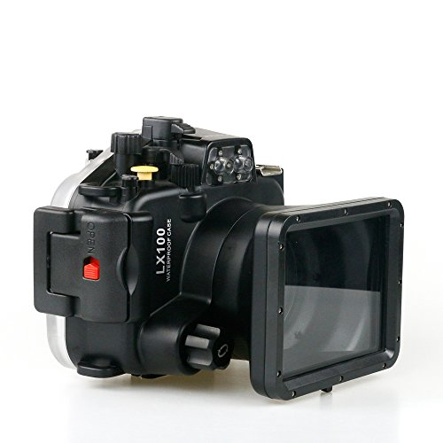 Taking Photos Underwater Digital Camera - 6