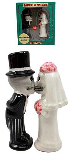 "Atlantic Collectibles Day Of The Dead Salt & Pepper Shakers Skeleton Couple Bride & Groom Ceramic Magnetic Figurine Set 4.75"" H"