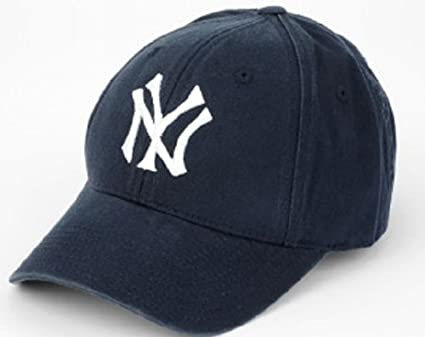 New York Yankees  22 Retro Vintage Cap by American Needle  Amazon.co.uk   Clothing e730b9d57a5
