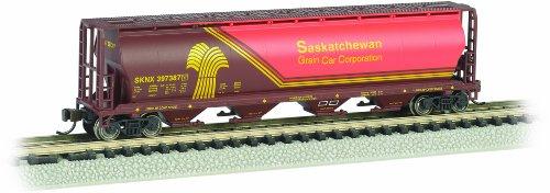 (Bachmann Industries Inc. Canadian 4-Bay Cylindrical Grain Hopper Saskatchewan - Wheat Herald - N Scale)
