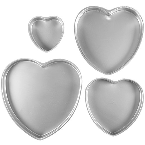 Wilton Decorator Preferred Cake Pan Set, Heart 4 ct. 2105-