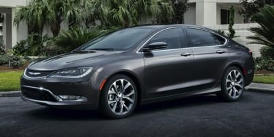Amazon.com: 2017 Chrysler 200 Reviews, Images, and Specs ...