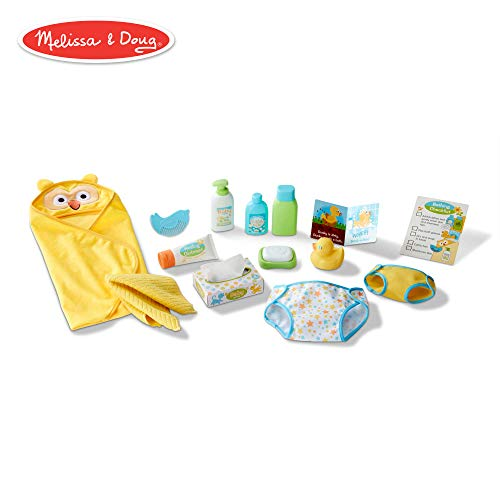 Melissa & Doug Mine to Love Changing & Bath Time Play Set for Dolls (Diapers, Pretend Shampoo, Wipes, Towel, More, 19 Pieces)