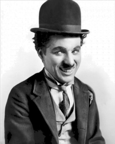 New 8x10 Photo: Filmmaker and Comedian Actor Charlie Chaplin as