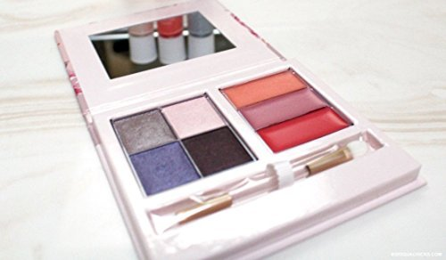 - Mary Kay Into the Garden Color Compact 4 Eye Shadows 3 Lip Glosses 1 duel ended applicator