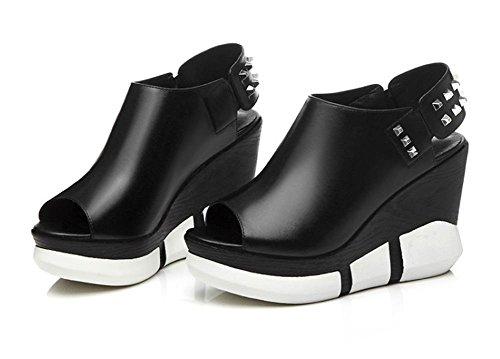 Low-Schuhe Steigung mit Fischkopf Nieten Temperament weiblichen Sandalen High-End-Schuh der Frauen Black