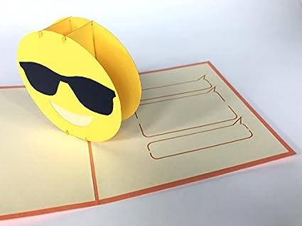 3d Pop Up Tarjeta de deseos sonriente cara con gafas de sol Emoji ...