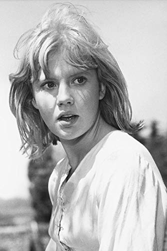 Hayley Mills 24x18 Poster Sky West and Crooked