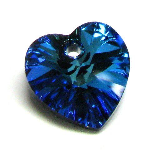 (4 pcs Swarovski Xilion Crystal 6228 Heart Charm Pendant Bermuda Blue 10mm / Findings / Crystallized)