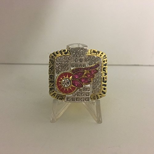 2002 Steve Yzerman Detroit Red Wings High Quality Replica Stanley Cup Ring Size 11.5-Gold Colored