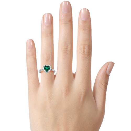 Finejewelers 10k 6mm Heart Shaped Simulated Emerald with White Topaz accent stones Halo Ring Size 8 by Finejewelers (Image #2)
