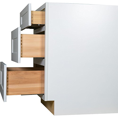 30 inch white kitchen cabinets everyday cabinets 30 inch three drawer base cabinet in 10197