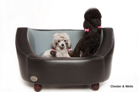 Chester & Wells Oxford I Small Dog Bed Black
