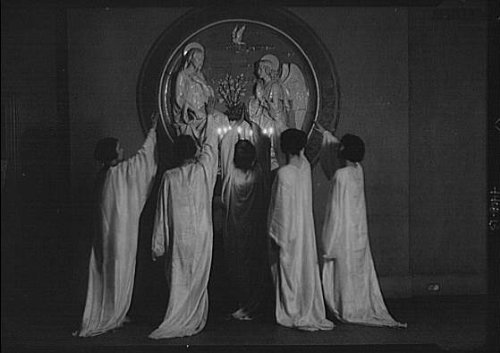 Fatal Frame V Costumes (Photo: Guthrie dancers,St Mark's Church,performers,costumes,women,Arnold Genthe,1924 4)