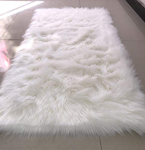 HUAHOO White Faux Sheepskin Area Rug Chair Cover Seat Pad Plain Shaggy Area Rugs for Bedroom Sofa Floor Ivory White (2