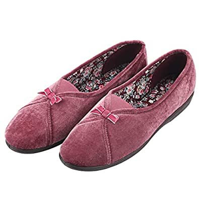 Courtaulds Moccasin Closed Back Slippers for Women, Maisie Series, Machine-Washable Non-Slip Slippers Comfort for Indoors or in Driving (US 5#, Dusky Red)