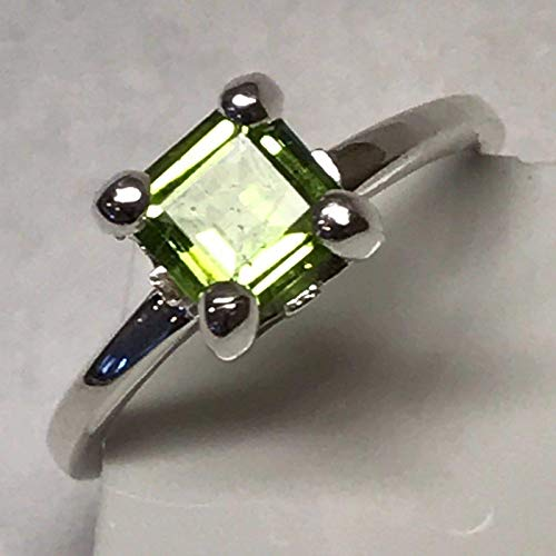 Natural 1ct Apple Green Peridot 925 Solid Sterling Silver Princess Cut Ring 7.75