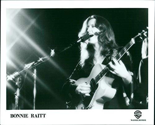 Vintage photo of Bonnie Raitt
