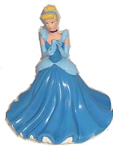 (Disney Theme Parks Exclusive Limited Availability - Cinderella Princess Coin)