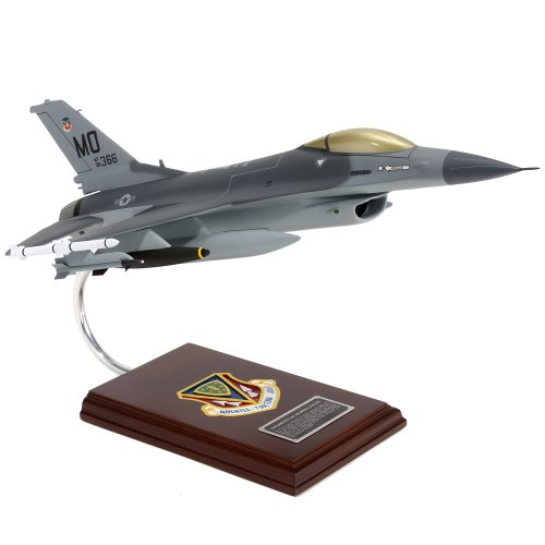 Mastercraft Collection Lockheed F-16C Falcon USAF Model Scale:1/32 - F-16 Falcon Game