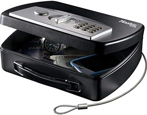 MASTER LOCK Tragbarer Tresor [Zahlenschloss] [mit Kabel] P008EML – Ideal für Elektrogeräten, Ausweispapieren, Bargeld und mehr