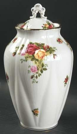 "ROYAL ALBERT OLD COUNTRY ROSE 9.5"" CHELSEA VASE WITHOUT LID. NEW, NEVER USED"